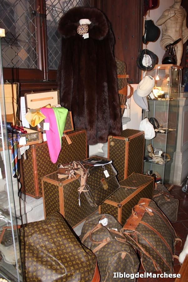 vintage arte e design in asta alla maison bibelot. Black Bedroom Furniture Sets. Home Design Ideas