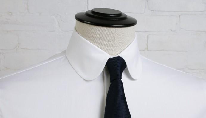 colletto arrotondato o club collar