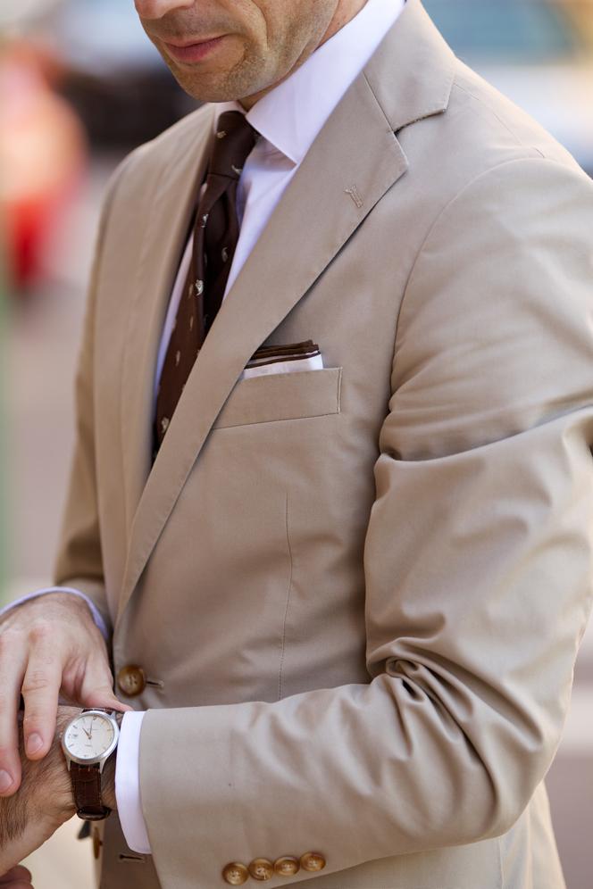 abbinamenti per un abito chiaro