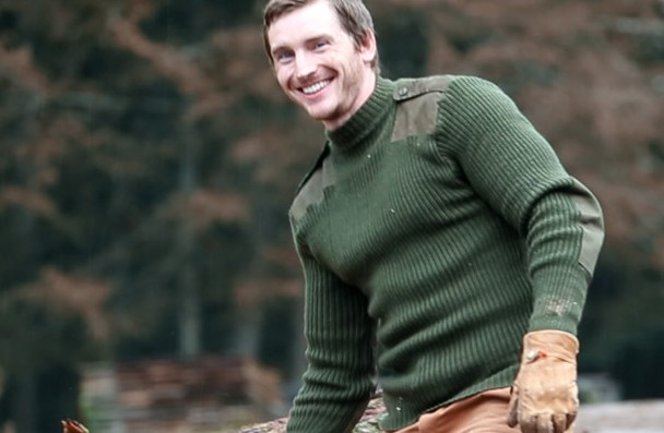 action-man-sweater