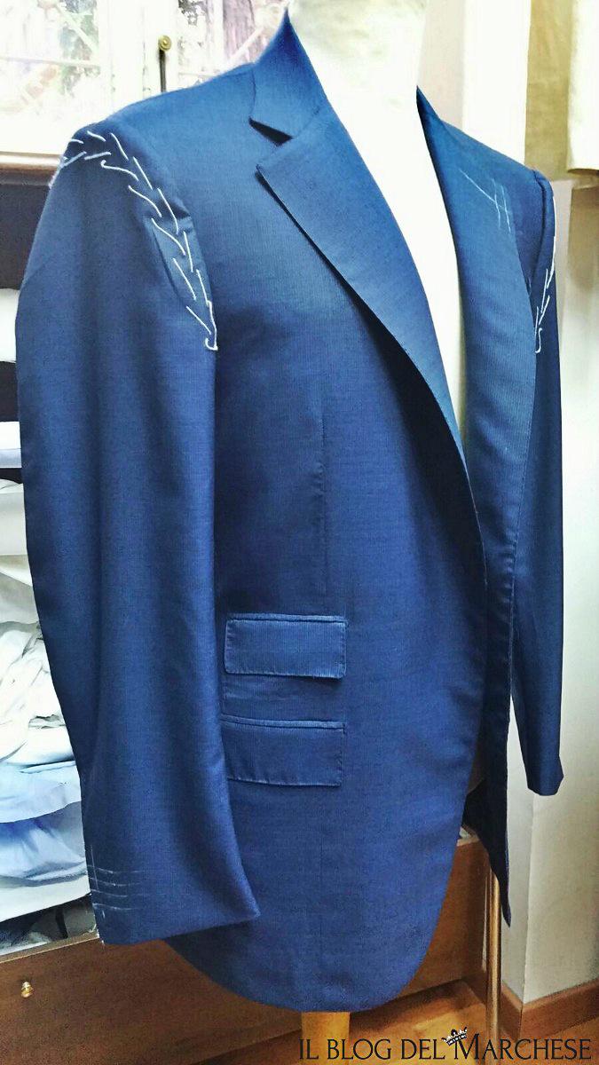 Come accorciare una giacca uomo