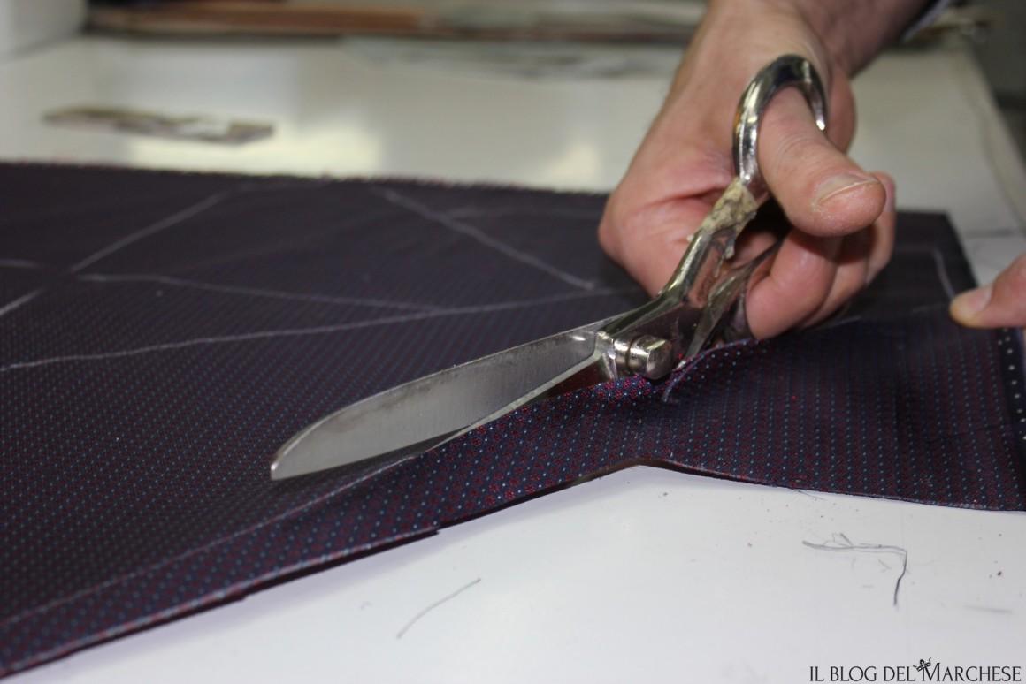 taglio_della_cravatta_sartoriale