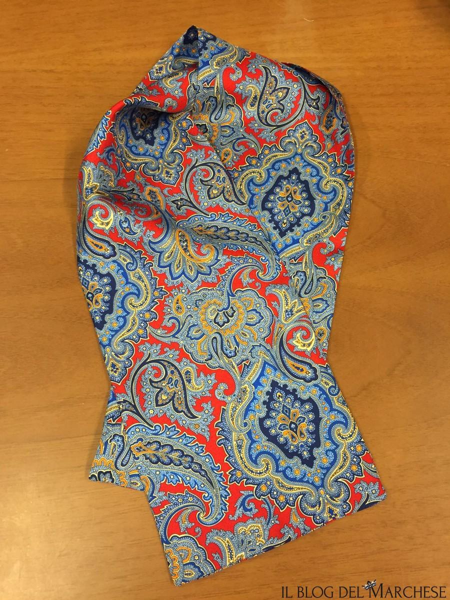 il cache col o foulard da collo