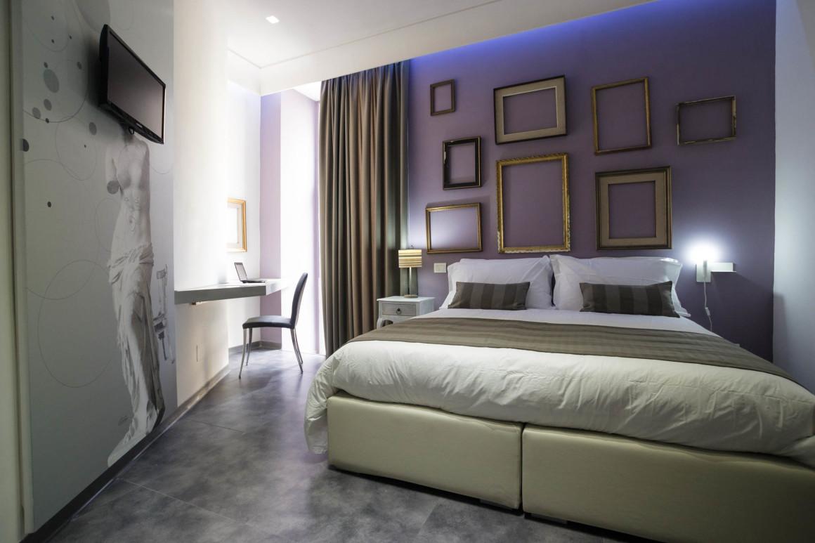 Il boutique hotel santa brigida di napoli il blog del for Camere hotel design