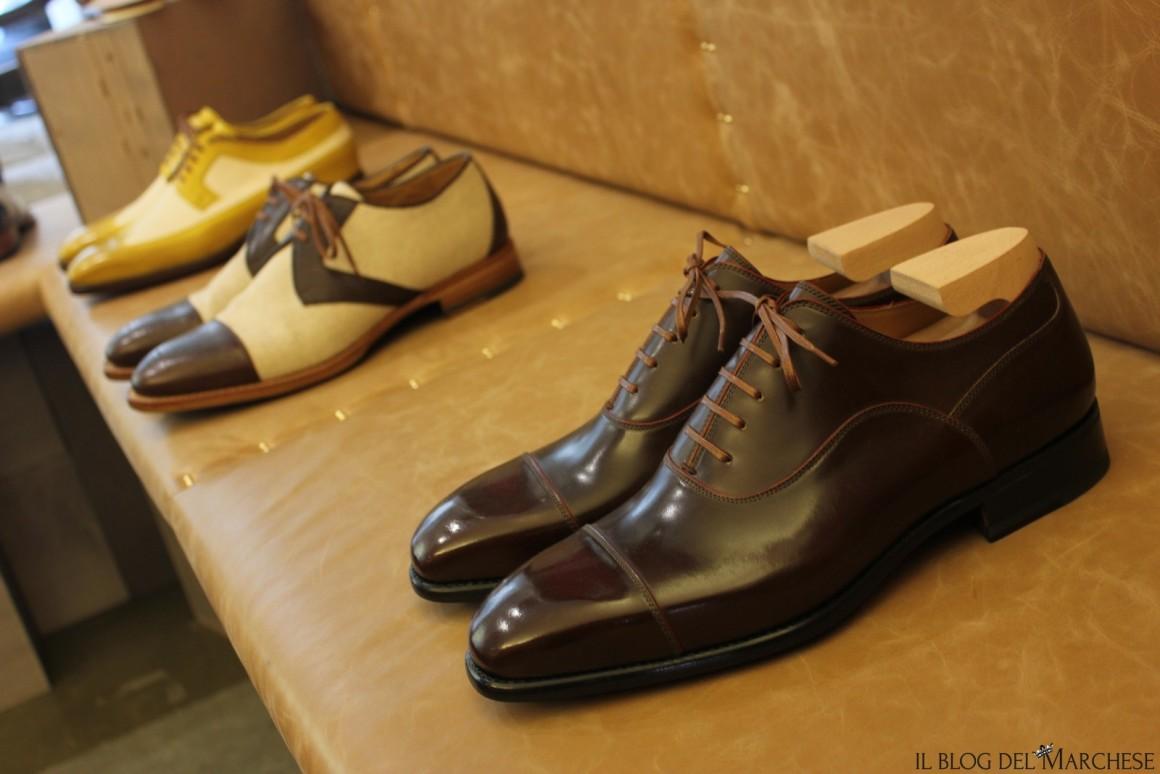 metodi per allacciare le scarpe stringate