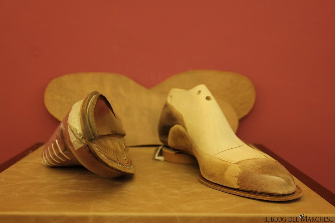 sagoma di legno per scarpe su misura
