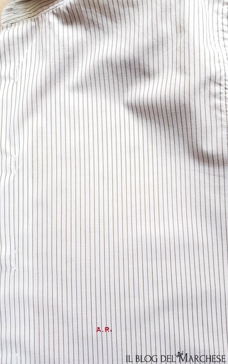 dove si mettono le iniziali sulla camicia