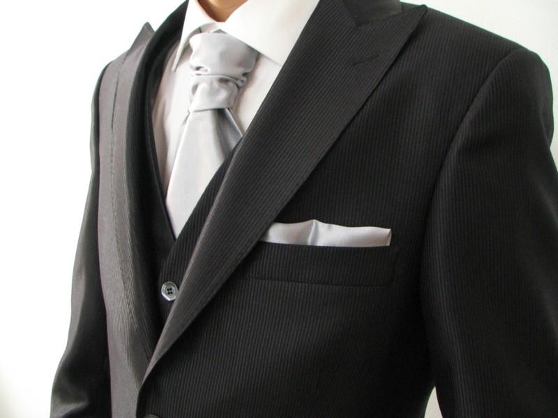 b6ee2dc067f4 Abito dello sposo  come si deve vestire lui - Il blog del Marchese
