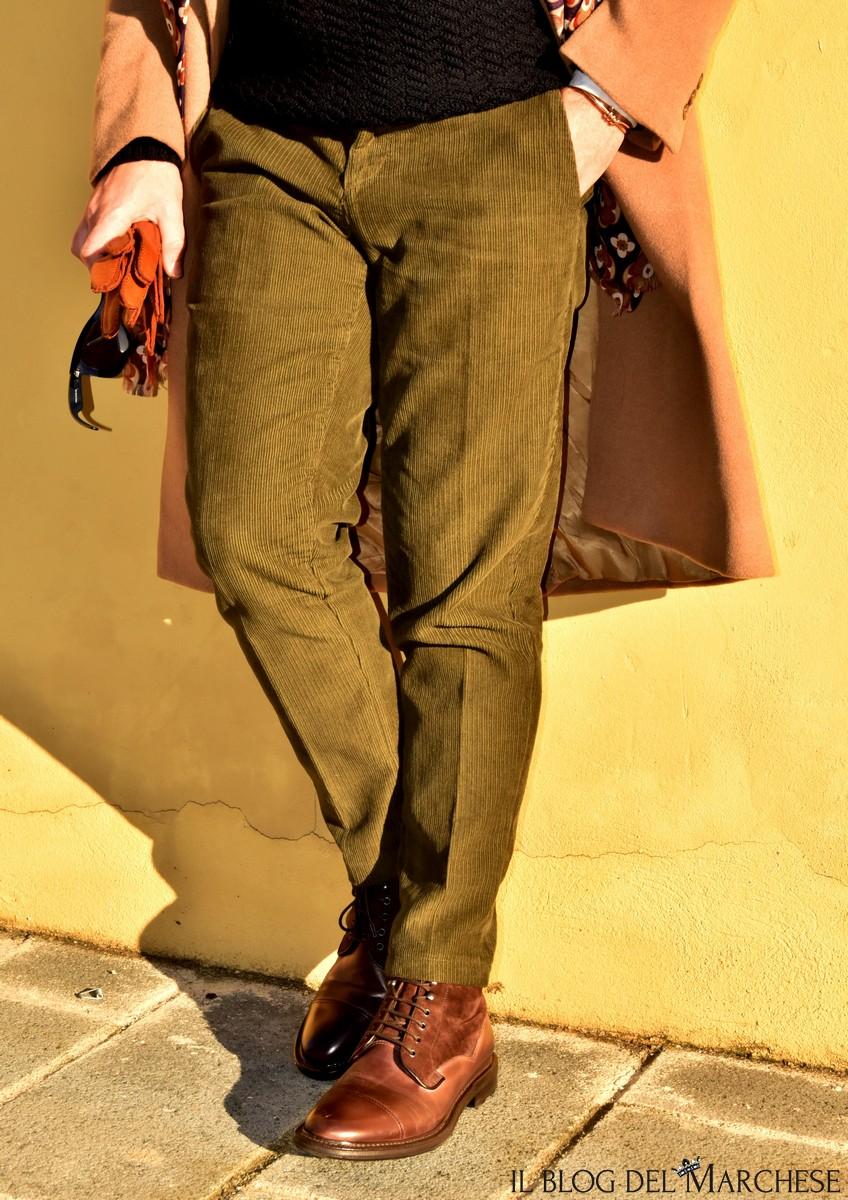 pantaloni-in-velluto-verde