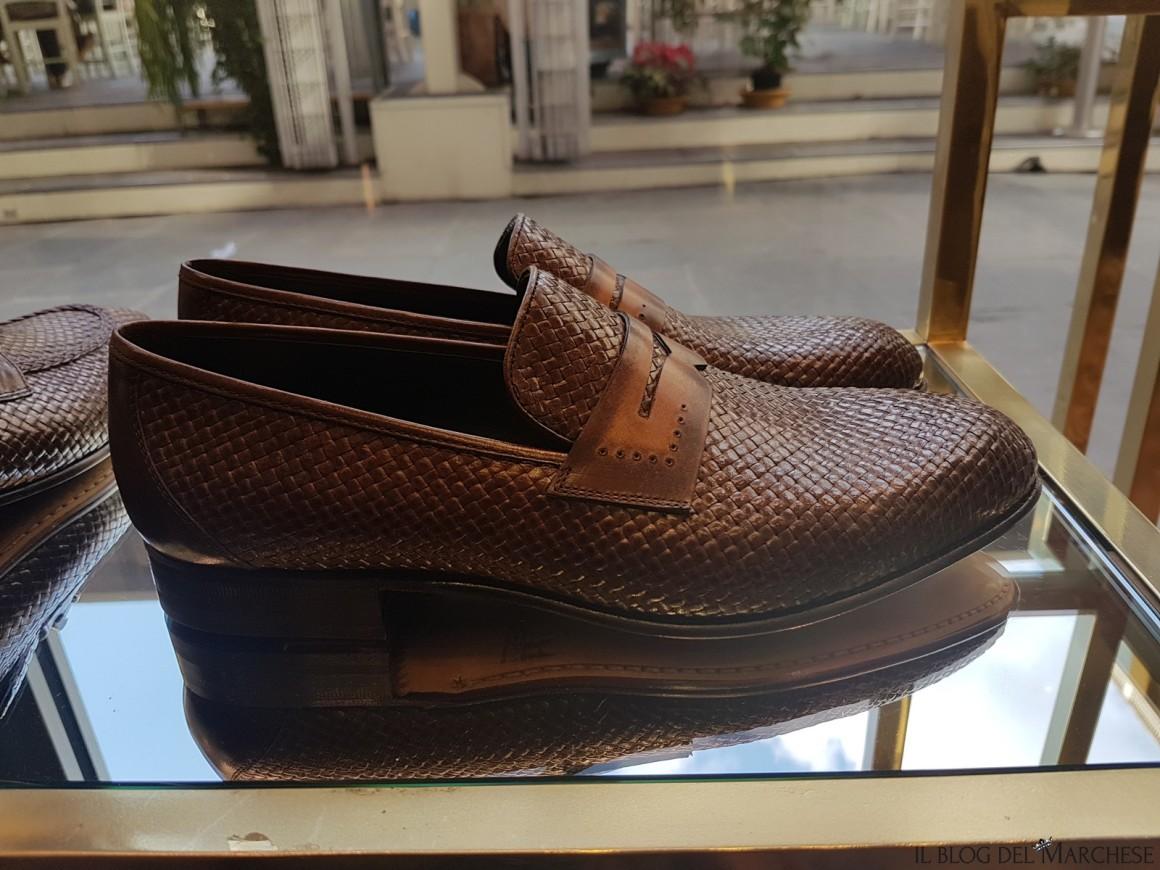 scarpe in pelle intrecciata