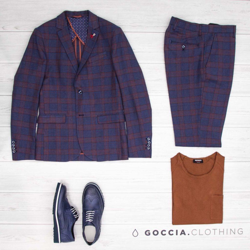 colore cravatta giacca a quadri blu